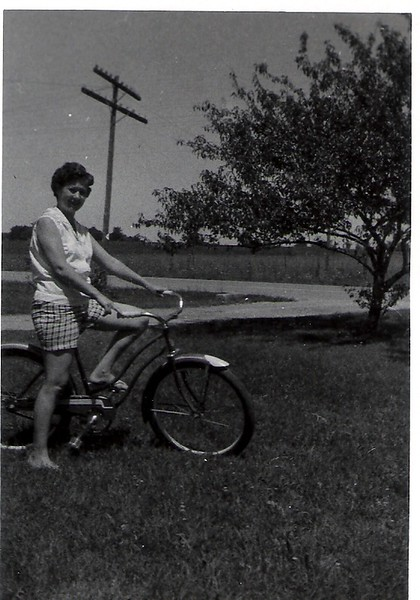 10b Doris on bike.JPG