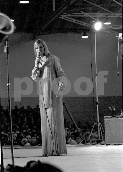 Gloria Loring performing with Bob Hope for the United States military forces on his Dec. 18, 1970 USO tour in Fleigerhorst, Germany.