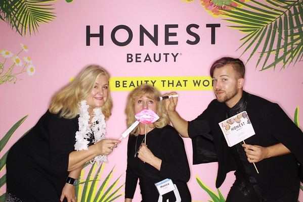 "Honest Beauty ""clean beauty that works"" Glenview."