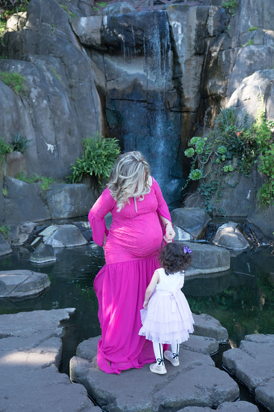 Maternity -08474.jpg