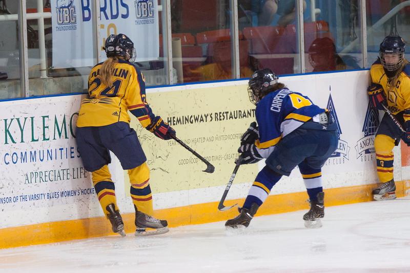 20130310 QWHockeyvsUBC 593.jpg
