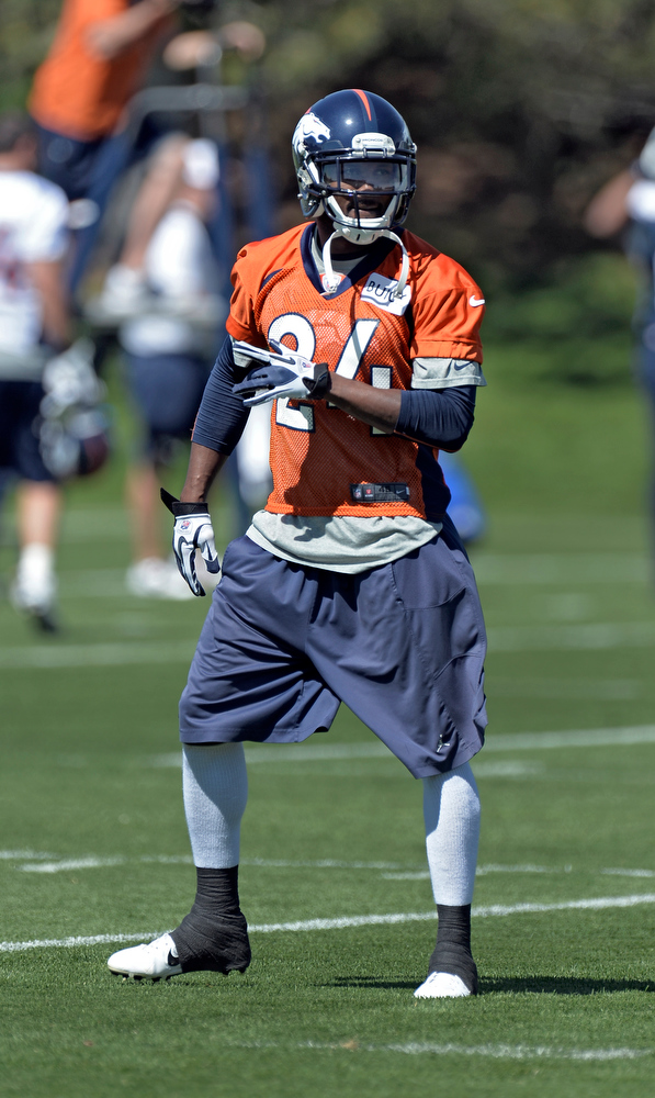 . Champ Bailey (24) CB of the Denver Broncos runs through drills during OTAs June 3, 2013 at Dove Valley. (Photo By John Leyba/The Denver Post)