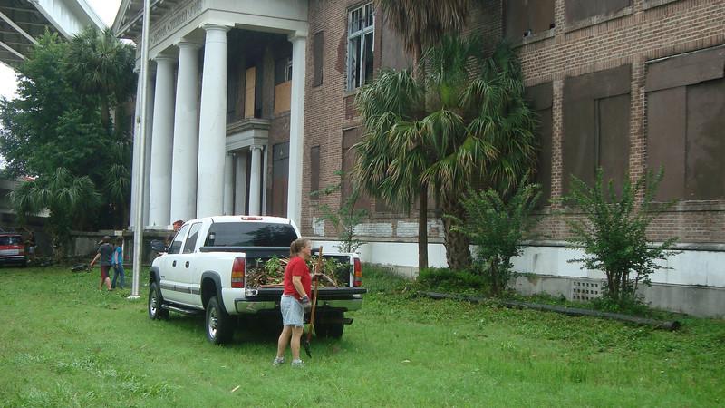 Annie Lytle 2012 Cleanup Effort and Volunteers 014.jpg