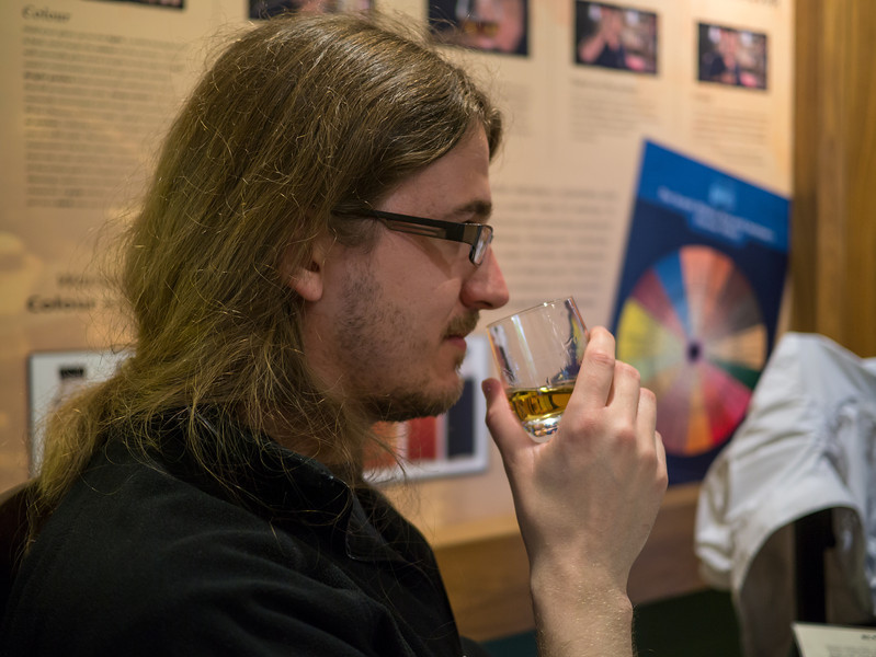 Olly whisky tasting at Edradour