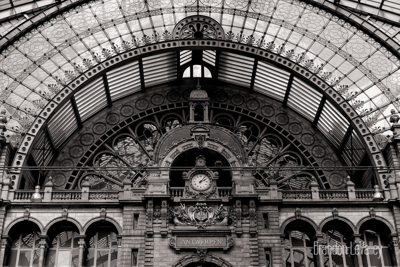 ANTWERP TRAINSTATION.jpg