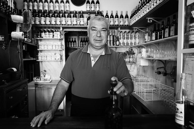 Shopkeeper, Lisbon