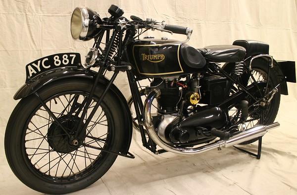 1935 Triumph 2/1