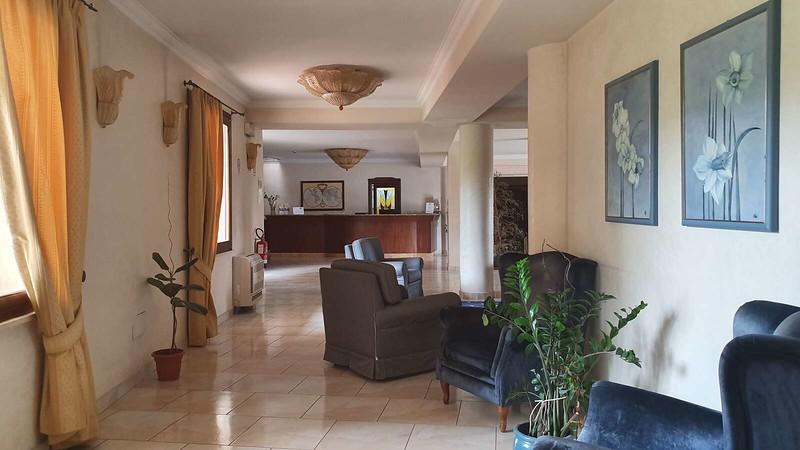 002 -  ROMA DOMUS HOTEL - LOBBY.jpg