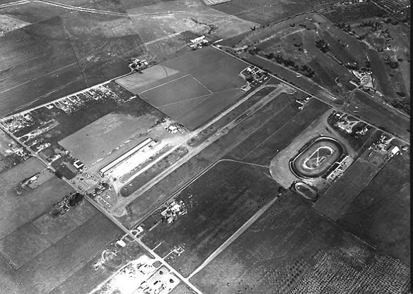 #2 Reids Hillview Airport .jpg