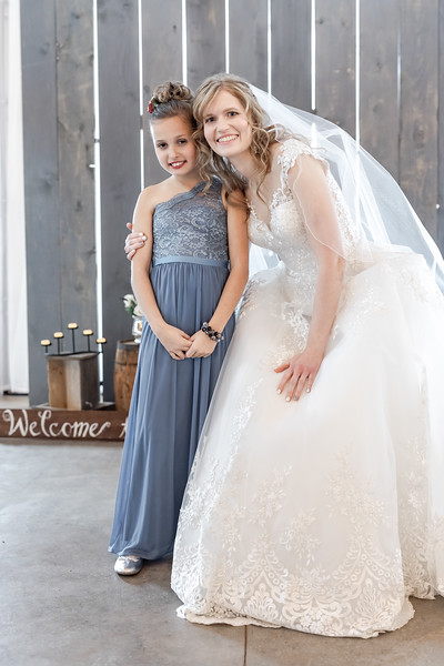 Logan_Sarah_Wedding_Rock_Ridge_Orchard_LLC_Edgar_Wisconsin_November_10_2018-154.jpg
