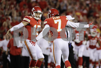 smith-mahomes-solid-before-49ers-rally-past-chiefs-2717