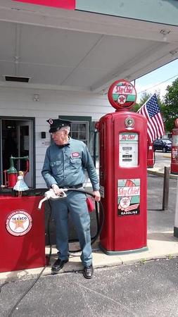 Ambler/Becker Texaco Station in Dwight