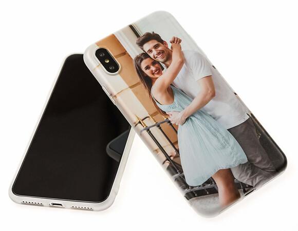 2018/12/04 Product Spotlight: Custom iPhone Cases