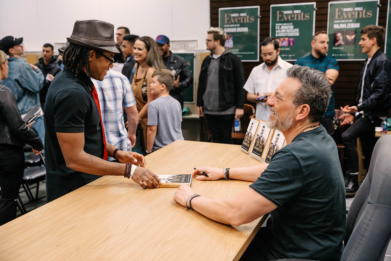 2019_2_28_TWOTW_BookSigning_SP_282.jpg