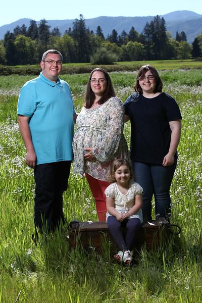 032-2017-04-30 Sams Family Maternity.jpg