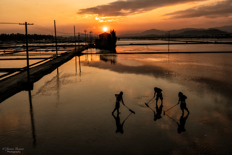 Sunset on the salt flats, Huian