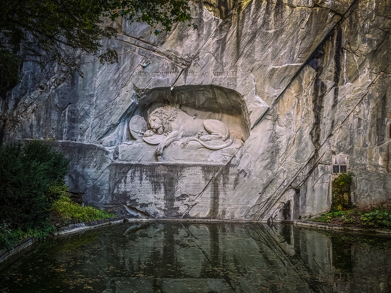 This lion monument was pretty cool