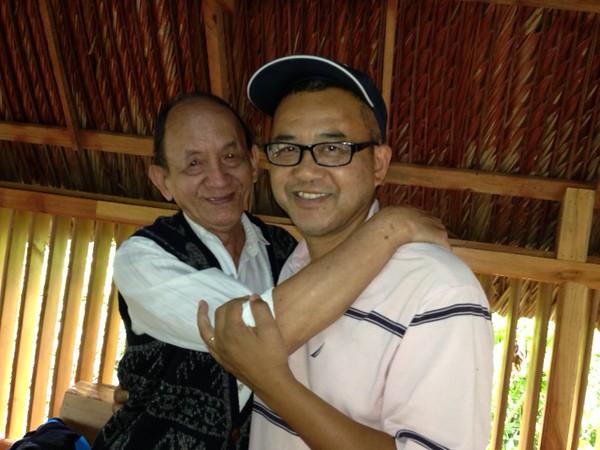 Thầy Phạm Văn An và Nguyễn Hoàng Sơn,  mừng vì cậu học trò vẫn mang nhiều tố chất Việt