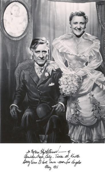Floyd and Elna Turner, Knott's Berry Farm, 1955