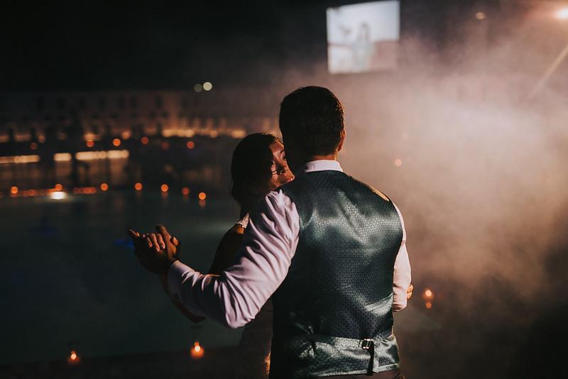 Tu-Nguyen-Destination-Wedding-Photographer-Santorini-Rocabella-Hotel-Euna-Ehsan-863.jpg