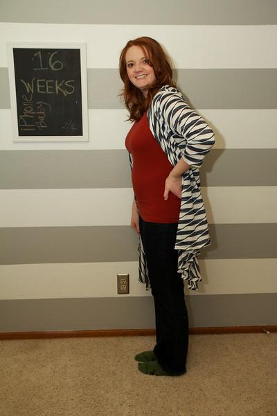 2013-2-2 Baby bump and crib