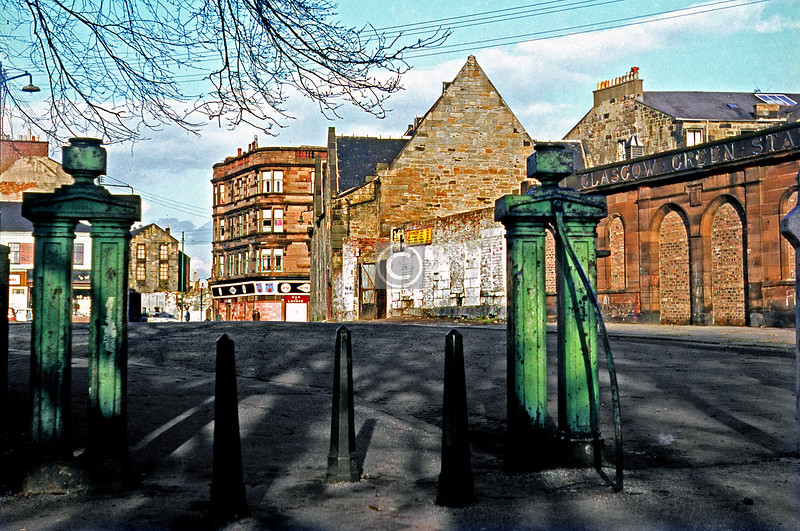 Binnie Place. The gateposts are still there, as are the station building* and the handsome tenement at the corner of Green St. and London Rd, but not much else. The gable end with the 4 windows belonged to Green St. Industrial School.   *demolished since I wrote this c1970