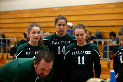 Holmen tny - Fall Creek vs Hillsboro VB19