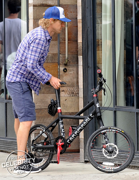 "EXCLUSIVE: Owen Wilson On $1000 Hybrid ""Hooligan� Bicycle! LA"