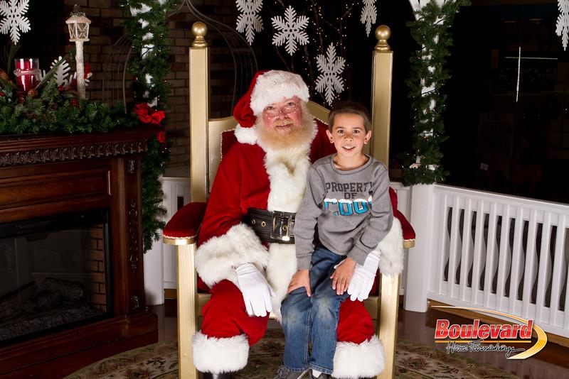 Santa Dec 15-316.jpg