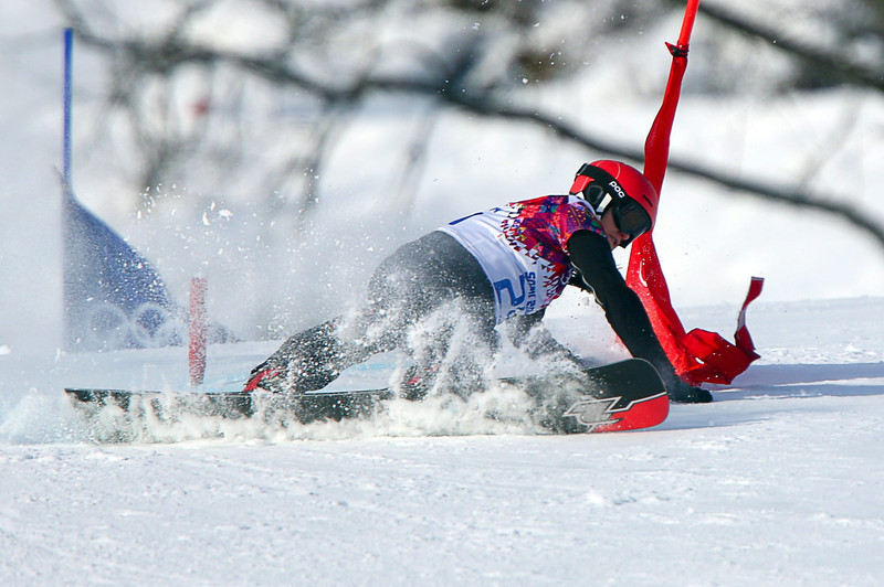 . Gloria Kotnik of Slovenia in action during the women\'s Parallel Giant Slalom qualification at Rosa Khutor Extreme Park at the Sochi 2014 Olympic Games, Krasnaya Polyana, Russia, 19 February 2014.  EPA/JENS BUETTNER
