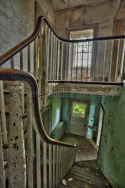 Abandoned Mansion in VA (13).jpg