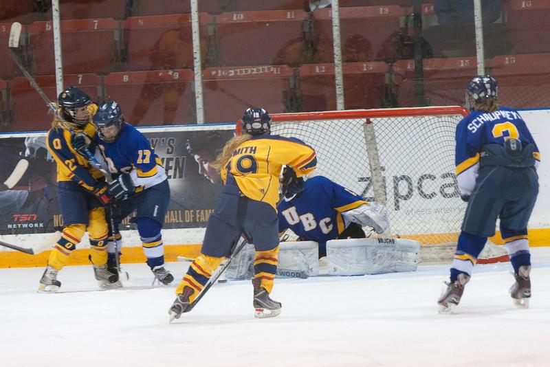 20130310 QWHockeyvsUBC 219.jpg