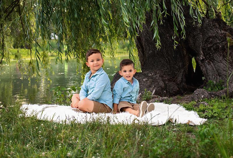 Issa is 5 & Noah is 3