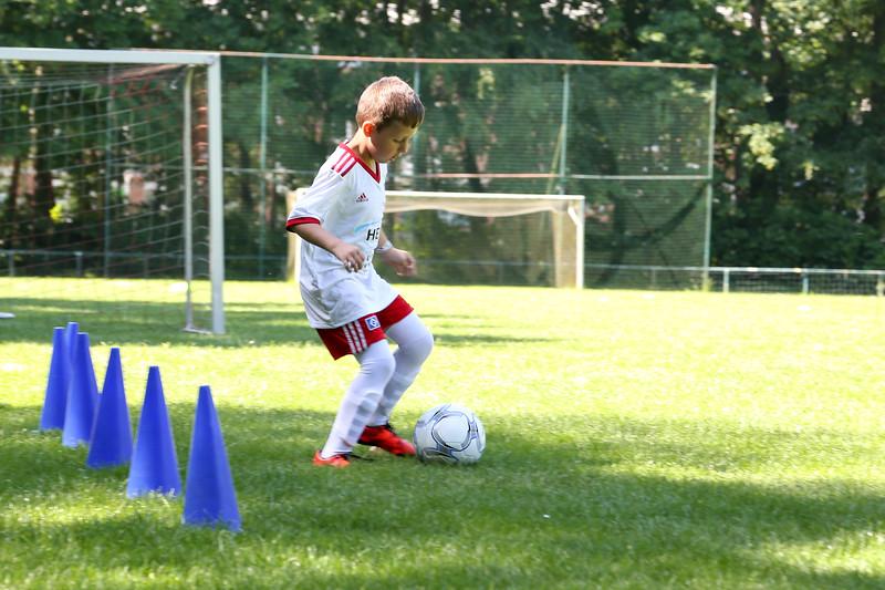 hsv_fussballschule-088_48047990013_o.jpg