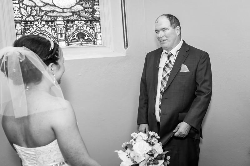 Jennie & EJ Wedding_00158-BW.jpg