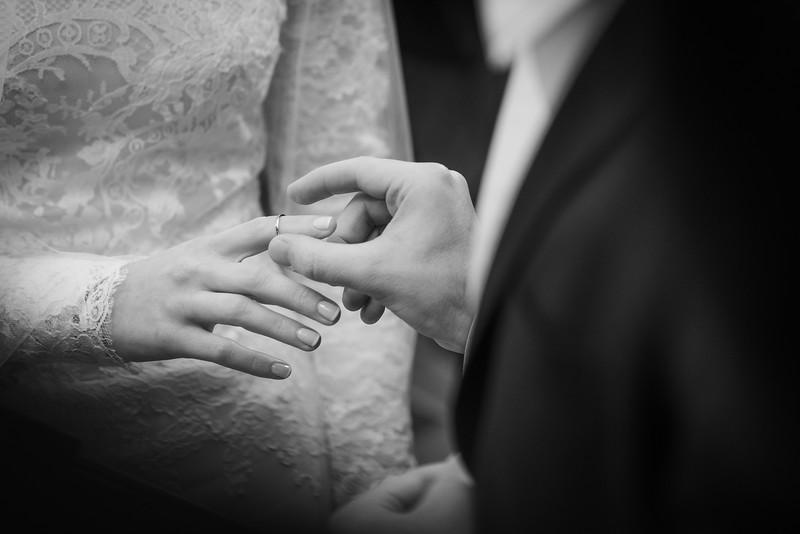 Miri_Chayim_Wedding_BW-575.jpg
