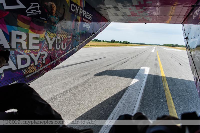 F20180609a105758_9169-décollage-Skyvan-porte ouverte-piste-settings-Aalborg,Danemark.jpg