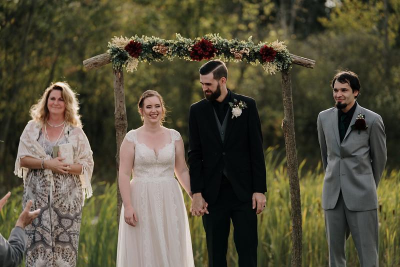 rustic_ohio__fall_barn_wedding-235.jpg