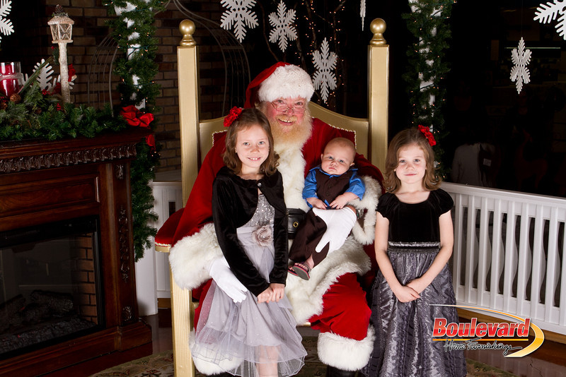 Santa Dec 15-169.jpg