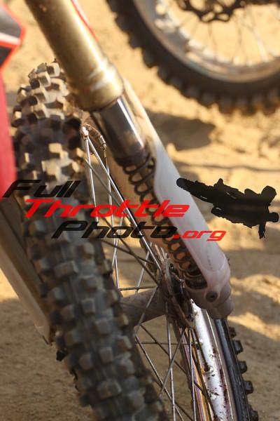 R6 Moto 2