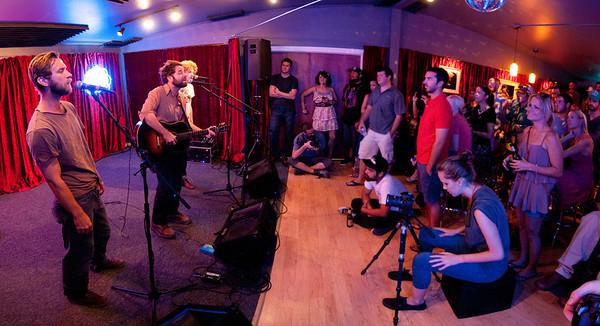 08/24/11 - Do512 Lounge - Dawes