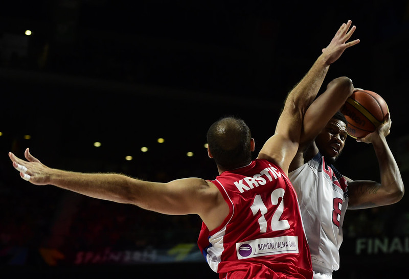 . US forward Rudy Gay (L) vies with Serbia\'s centre Nenad Krstic during the 2014 FIBA World basketball championships final match USA vs Serbia at the Palacio de los Deportes in Madrid on September 14, 2014.   JAVIER SORIANO/AFP/Getty Images