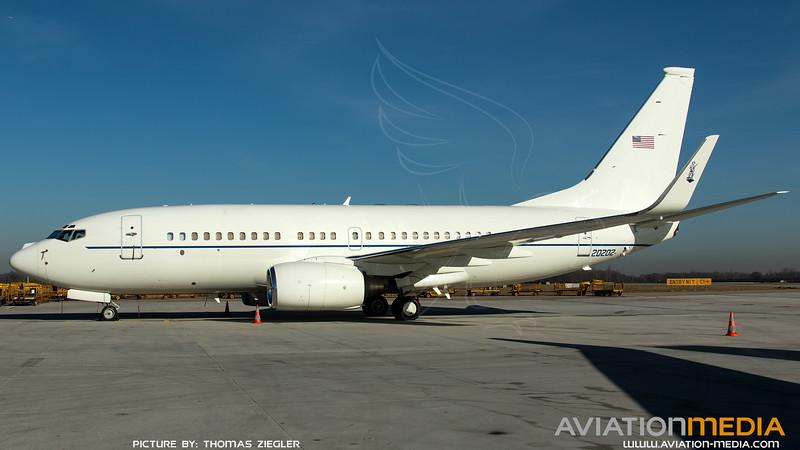 02-0202_USAF-201stAS_C-40C_MG_3984.jpg
