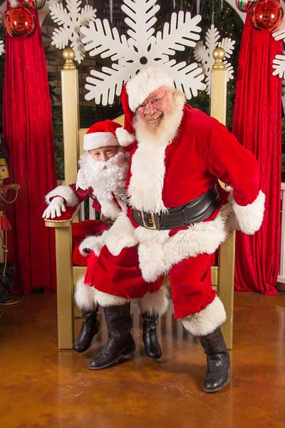 Santa 12-16-17-222.jpg
