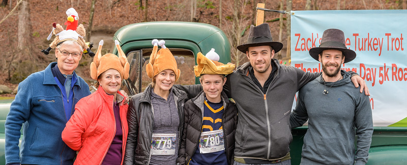 2019 Zack's Place Turkey Trot -_8507775.jpg