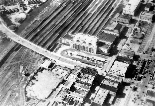 railroad station aerial - 1920s.jpg