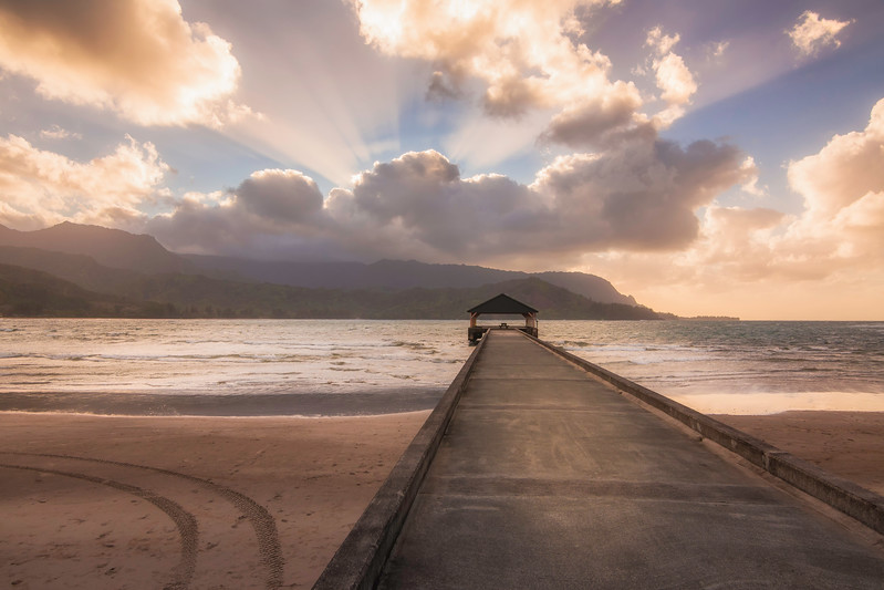 Hanalei Bay Sunrays.jpg