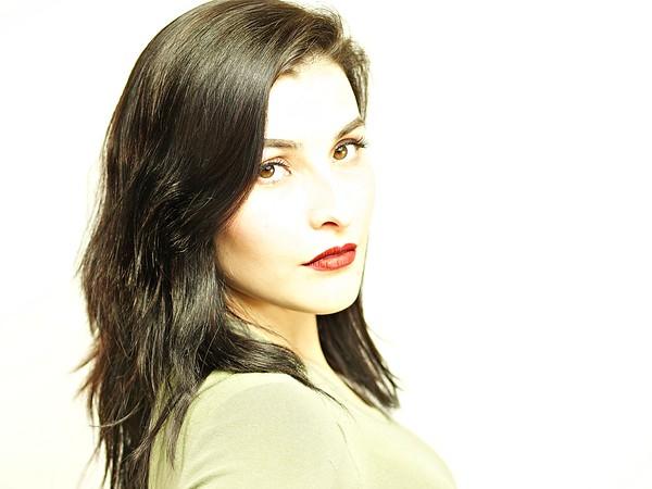 Amber De Los Santos