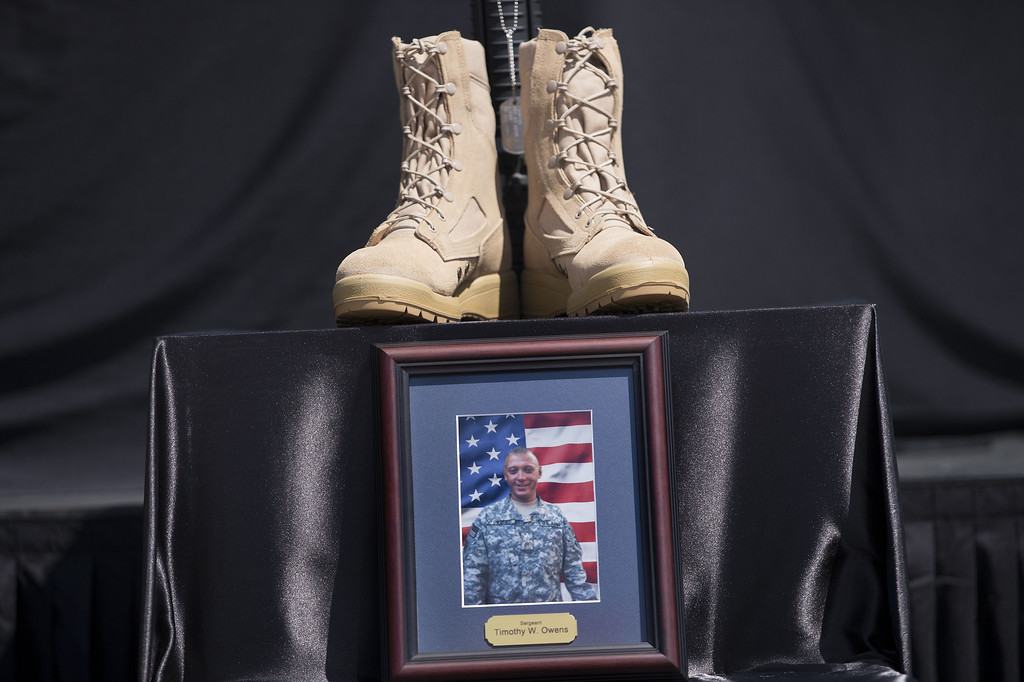 . A memorial for Sergeant Timothy Owens is seen before a memorial service at Fort Hood on April 9, 2014 in Texas.     AFP PHOTO/Brendan SMIALOWSKI/AFP/Getty Images