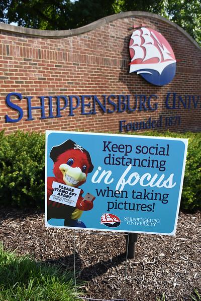 Sign_SocialDistancing_Entrance_color_595.jpg